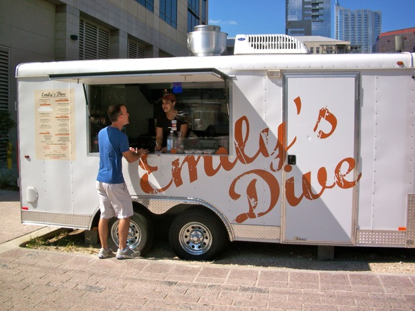 Emily's Dive food trailer
