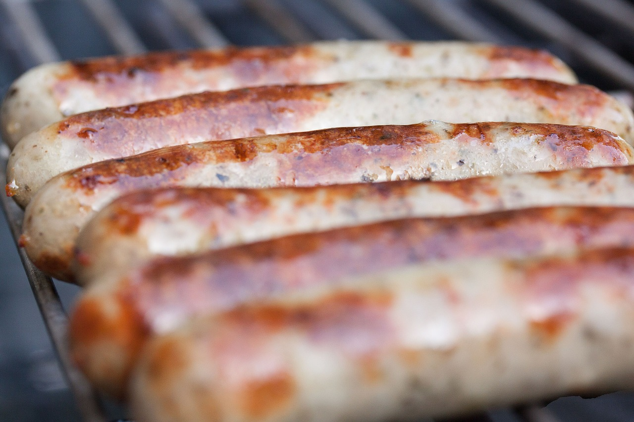 Bratwurst And Knockwurst – What Is The Difference?